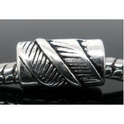 Metalinis karoliukas