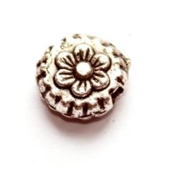 Gėlytės formos metaliniai karoliukai